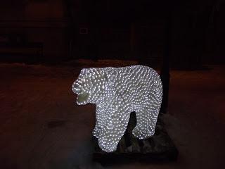 Urs polar luminite Piatra Neamt