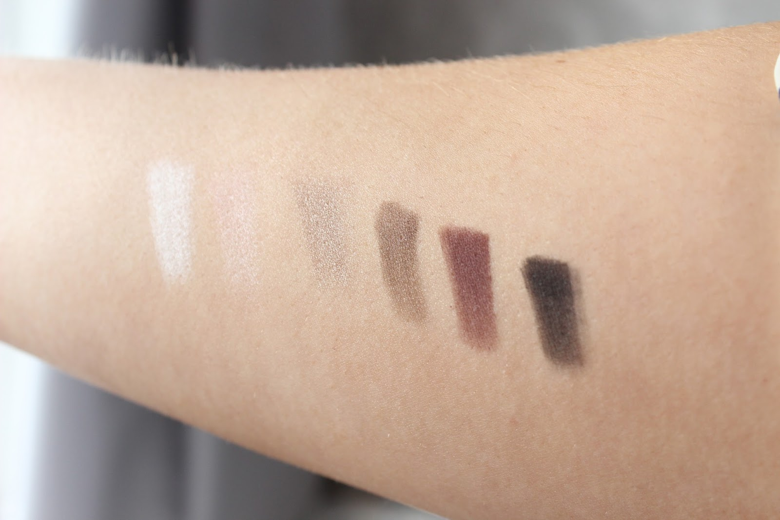 the-balm-nude-tude-palette-swatch