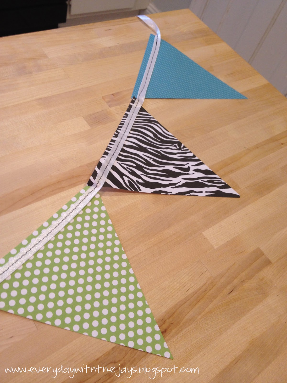 Everyday with the Jays: Make: Paper Pennant Banner