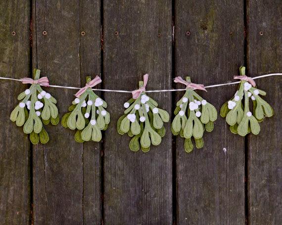 https://www.etsy.com/listing/167781128/mistletoe-holiday-garland-handmade-felt?ref=favs_view_2