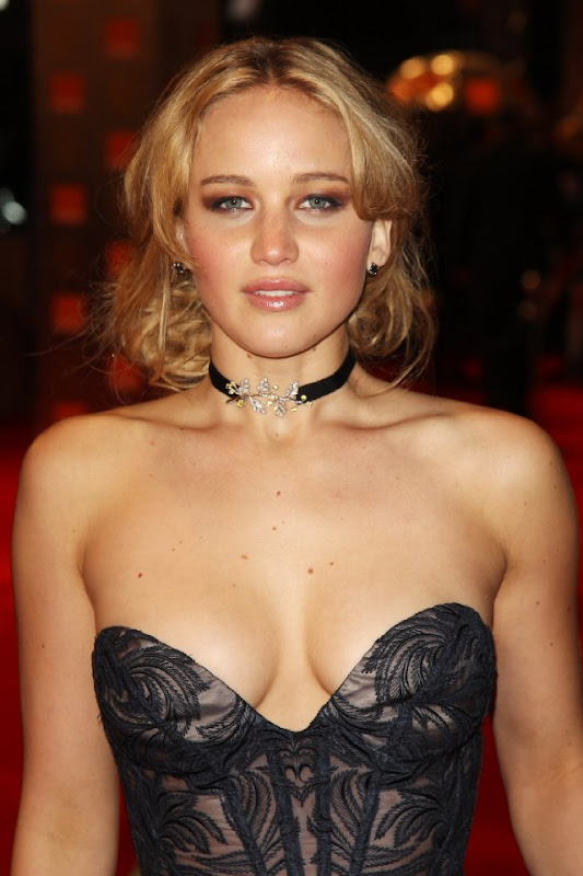 Jennifer Lawrence hot images in the movie HUNGER GAMES 2012