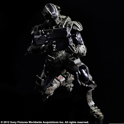 "Squre Enix - Play Arts Starship Troopers: Invasion Henry ""Hero"" Varro Figure"