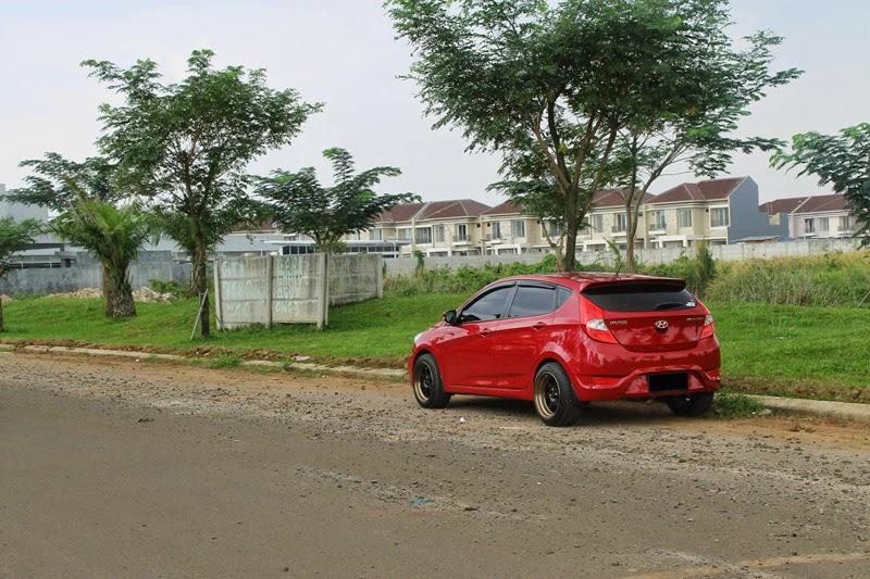 Modifikasi Mobil Hyundai Grand Avega Merah