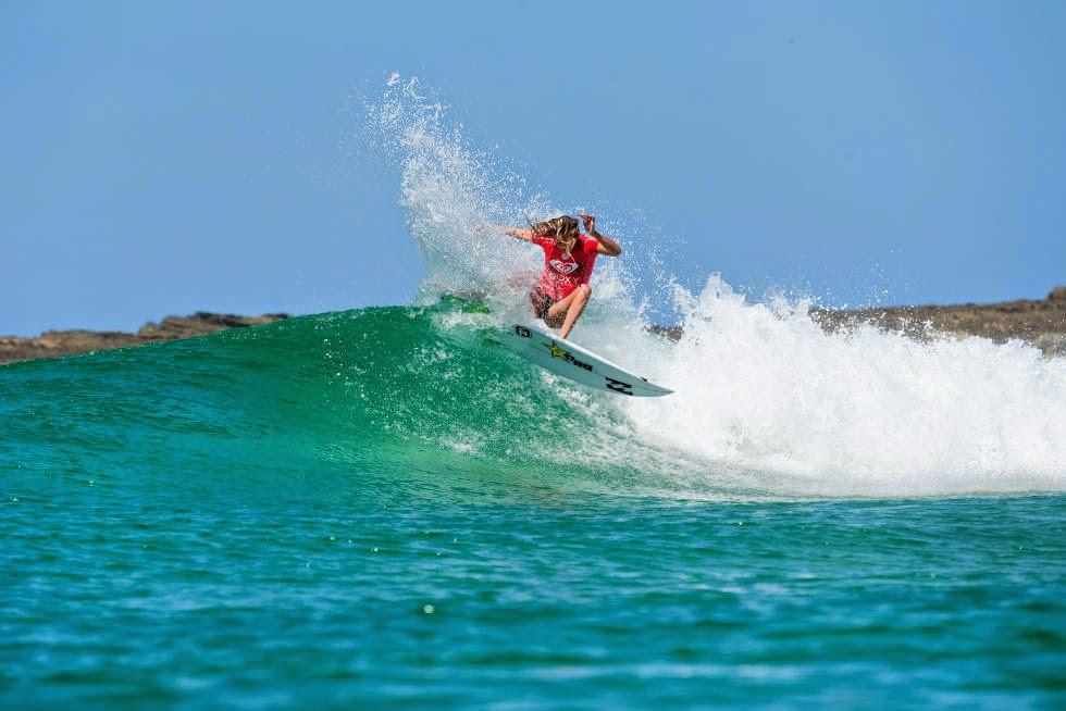 34 Roxy Pro Gold Coast 2015 Laura Enever Foto WSL Kelly Cestari