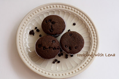 ragi and chocolate muffins