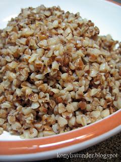 freshly-cooked-aromatic-buckwheat