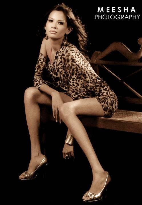Charitha Waidyasiri slim legs