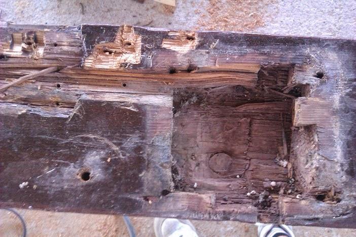 Carpidex restauraci n puerta antigua de madera for Restauracion de puertas antiguas