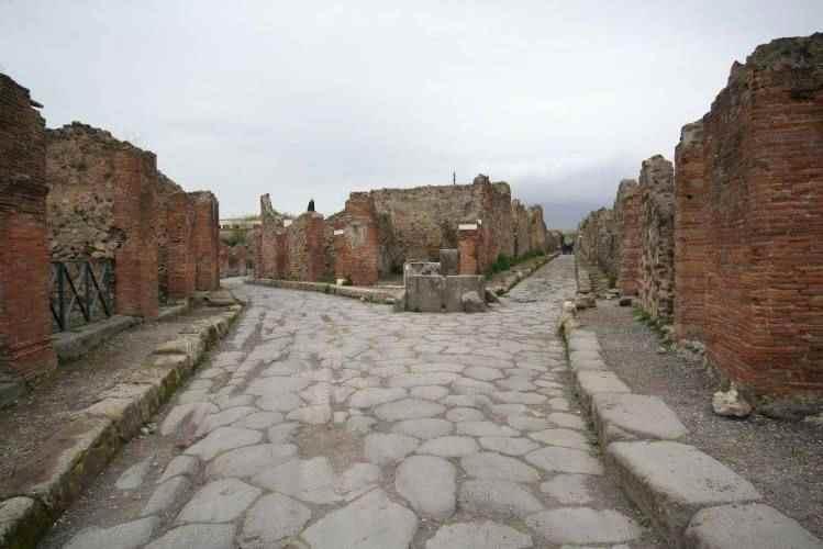 Jejak di Kota Pompeii