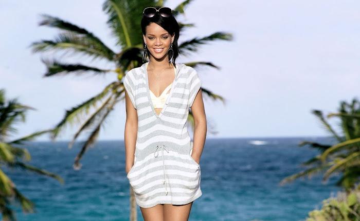 Rihanna HD Wallpaper -05