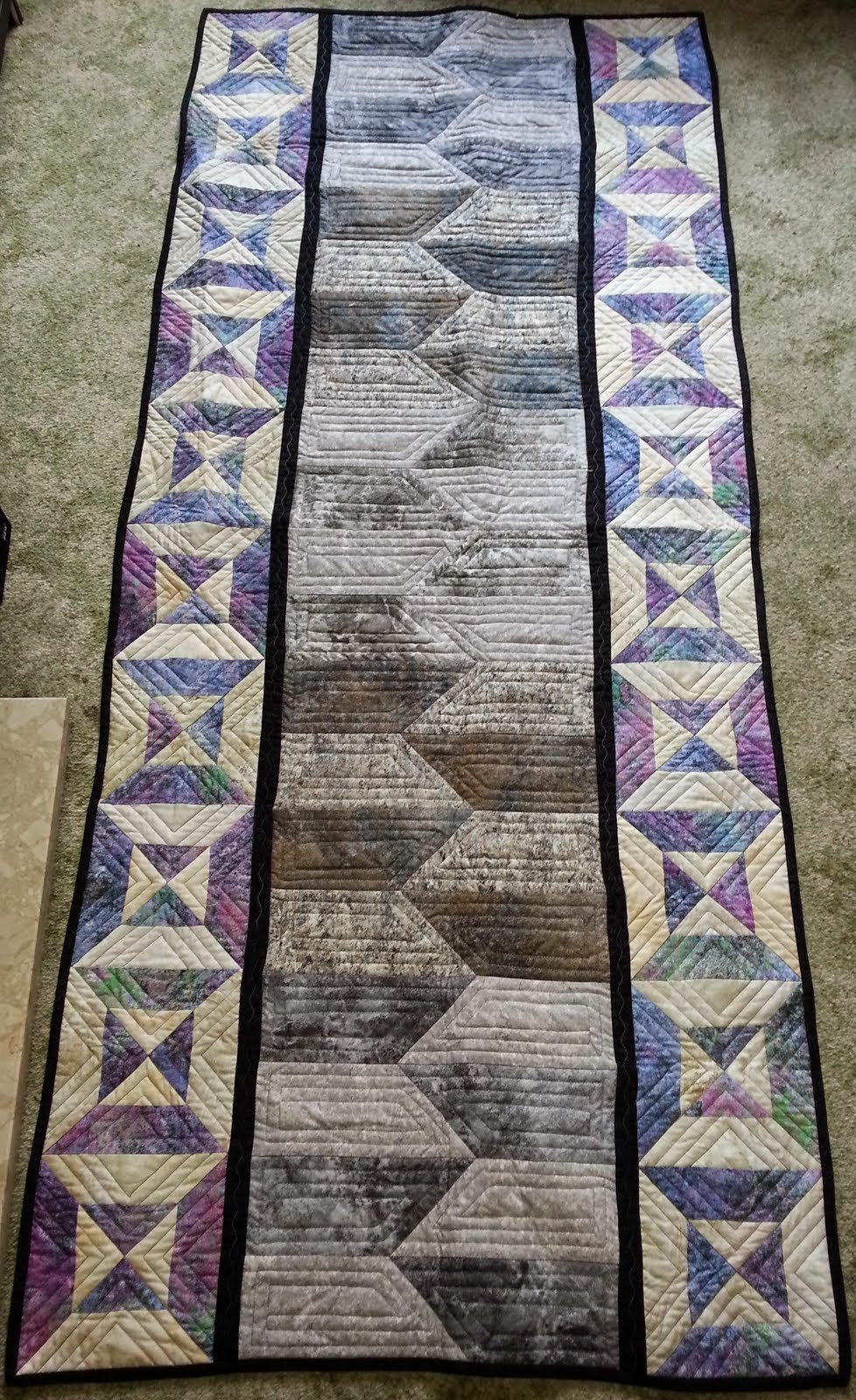 STONEHENGE BED RUNNER
