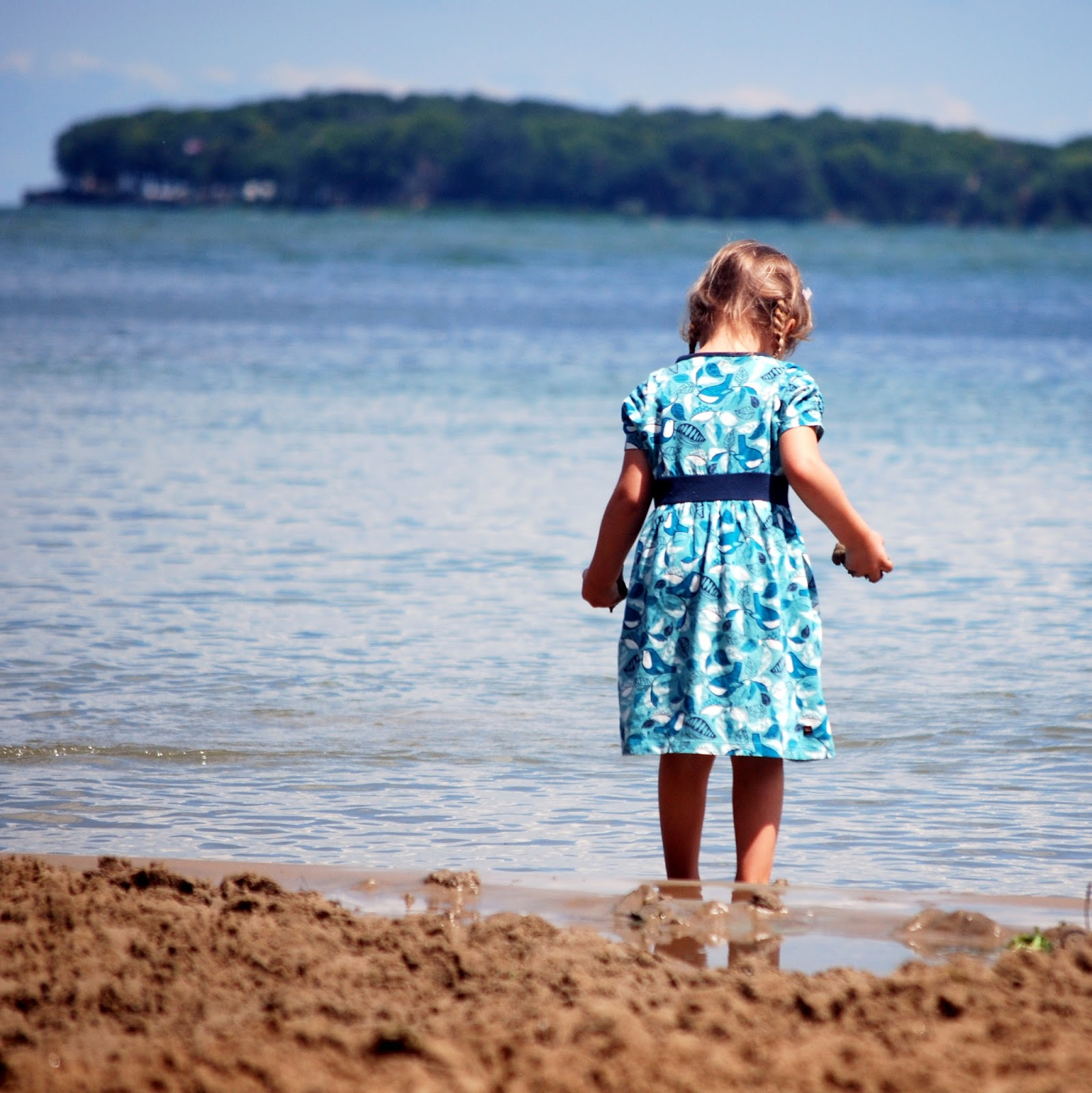 kelleys island girls We had such a blast exploring kelleys island recently if you're looking for a little get-away, this is the place it's close to cincinnati and has so much to o.