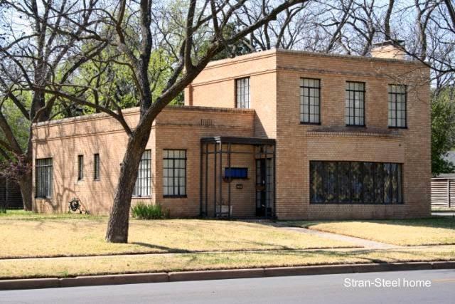 Casa Moderna años 30 en Wichita Falls, Texas - Stran Steel home