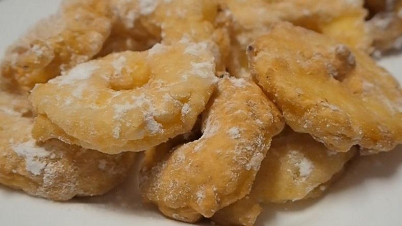 beignets aux pommes, beignets de pommes, recette beignets, pâte à beignets, beignets carnaval, recette vidéo, dessert aux pommes, beignets faciles,