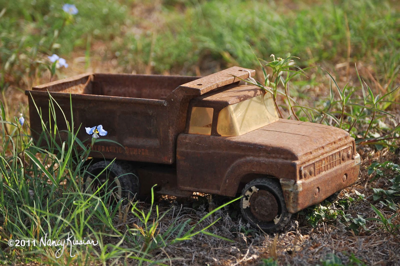 Wild About Texas: Rusty Old Toys Dump Truck and Tow Truck