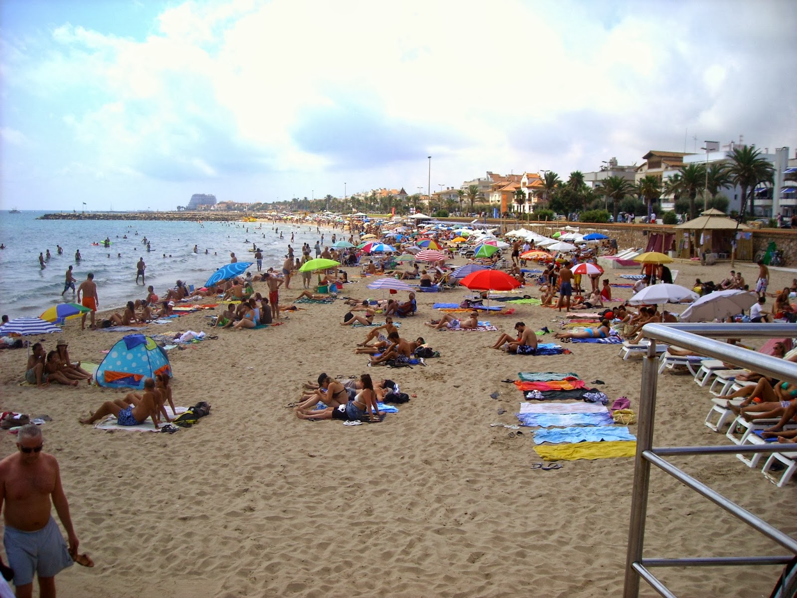 sitges playa beach barcelona