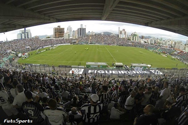 Estádio Orlando Scarpelli jogo do Figueirense