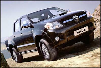 http://1.bp.blogspot.com/-1pBEezCMMWo/TinpK8SauyI/AAAAAAAAAPA/dsECTJkG7x8/s1600/2012-Toyota-Hilux-Front-Side-View.jpg