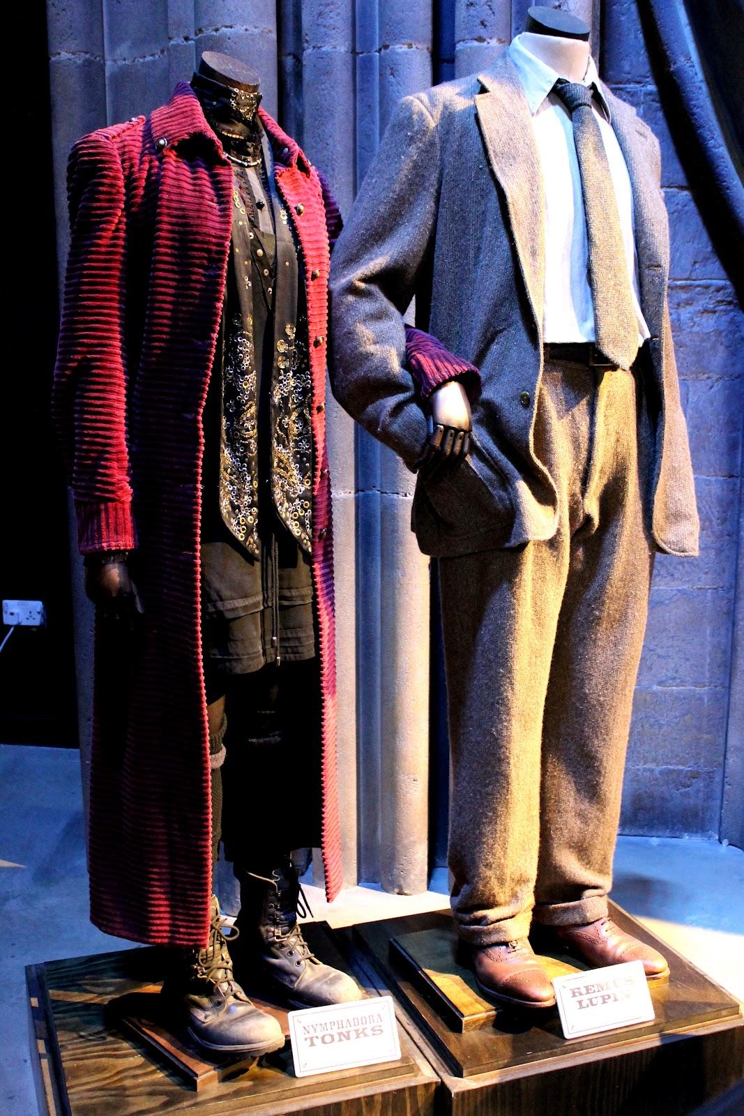 http://1.bp.blogspot.com/-1pGvjizsqGM/UBr8nL9l7qI/AAAAAAAALMY/0vuRqwZcDCk/s1600/Tonks+Lupin+costumes+tour+Potter+studio.jpg