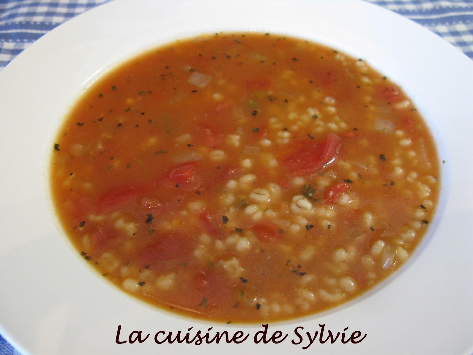 La cuisine de sylvie soupe l 39 orge et tomates - Soupe de tomate maison ...