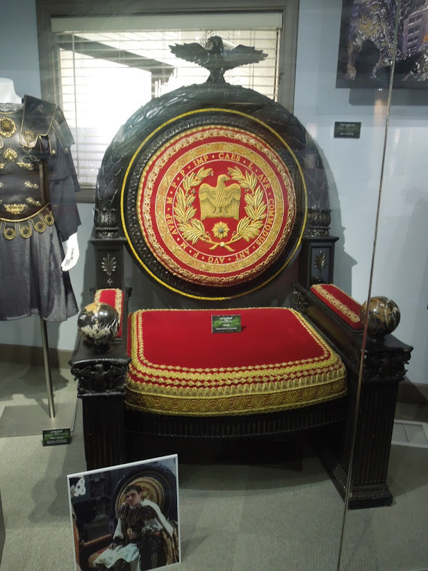 Commodus throne prop Gladiator