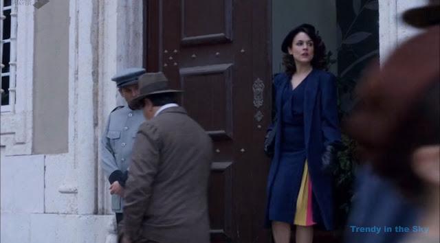 Sira Quiroga vestido azul. El tiempo entre costuras. Capítulo 9