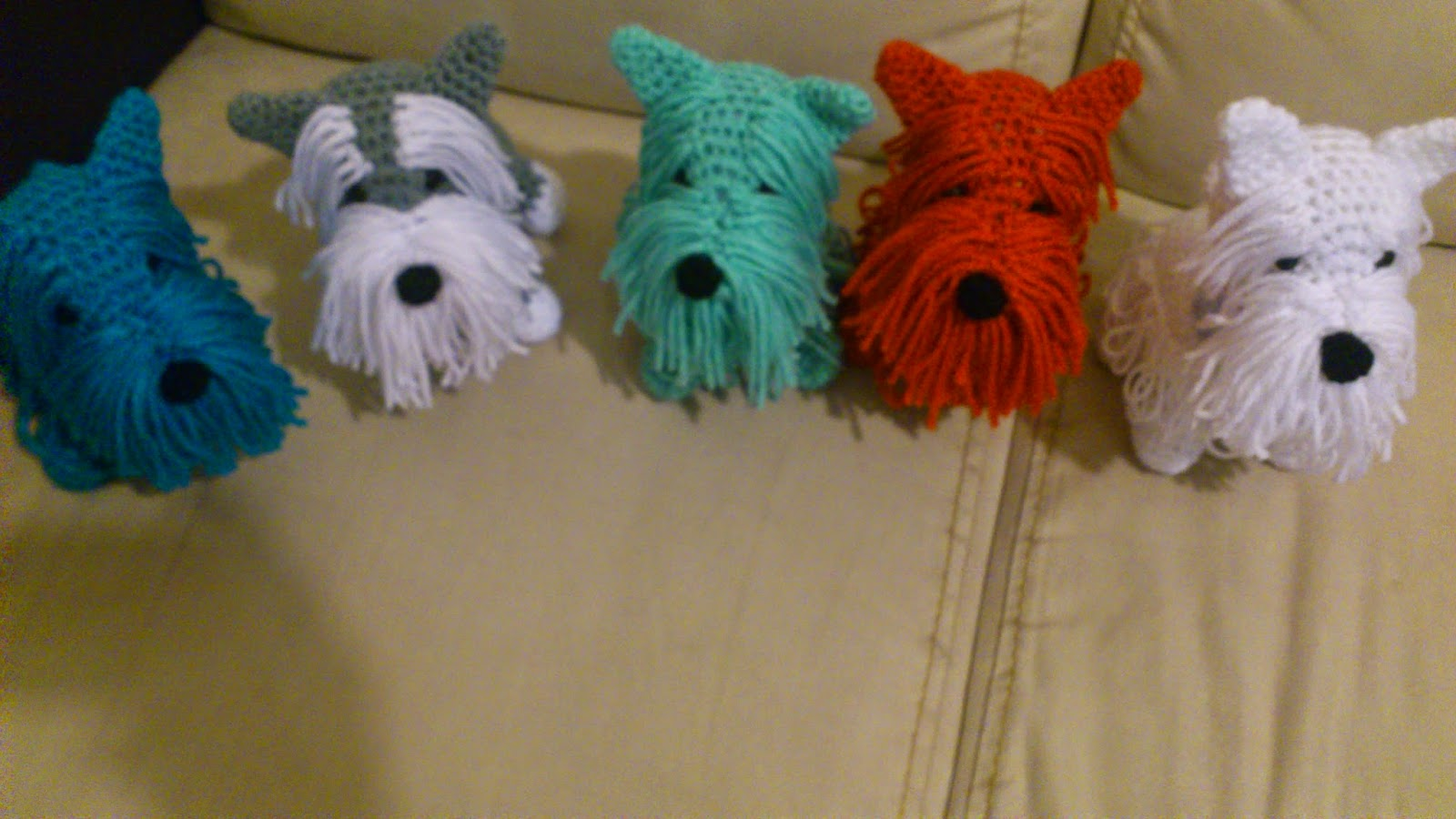 Free Crochet Patterns For Very Small Dogs : NOVEDADES JENPOALI: PATRoN DE FERRONI CHICOS
