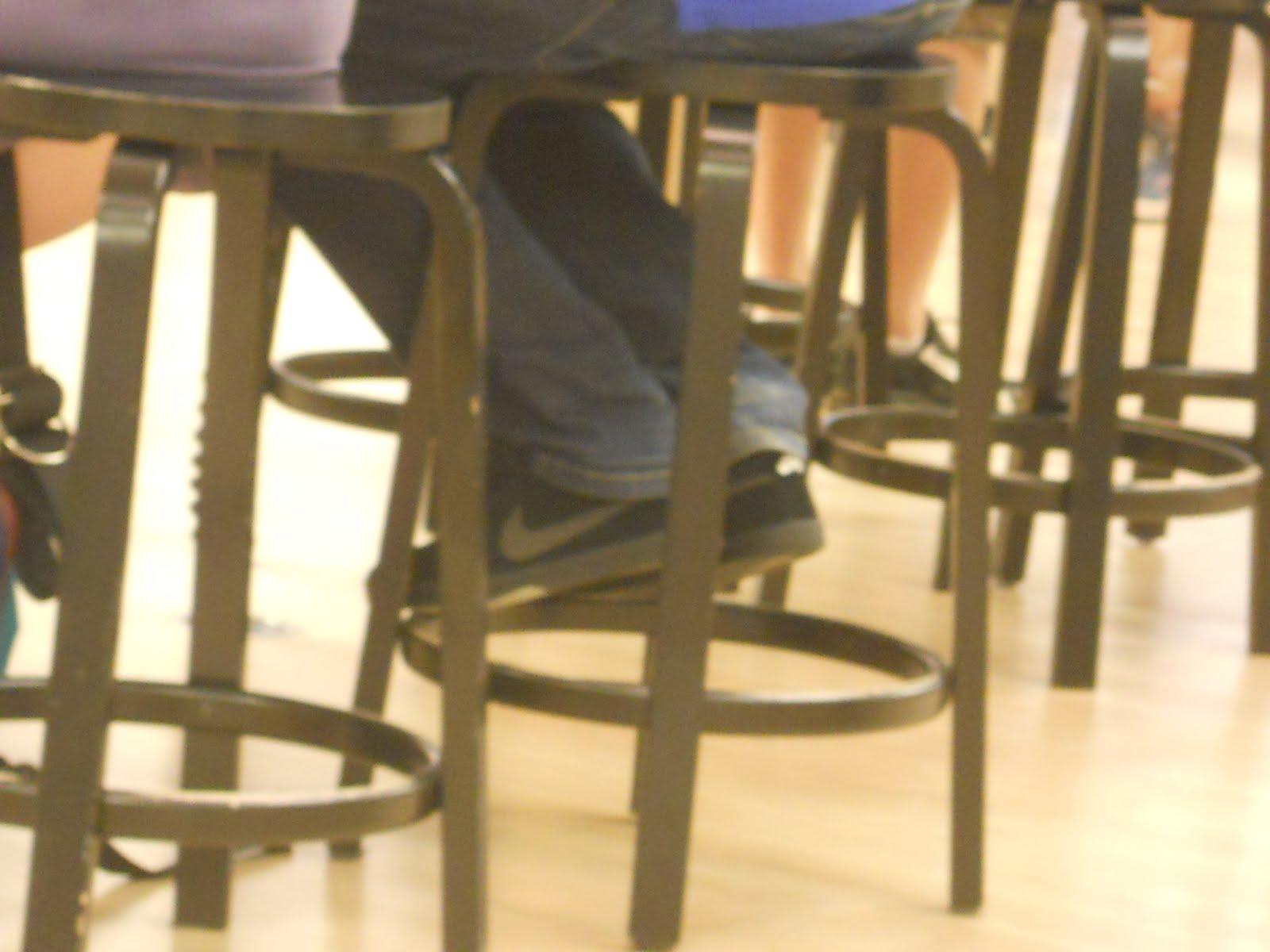 Guiriknows julio 2011 datofoto friki en la apple store de boston vi un empleado que ya vestia el nuevo color way de koston malvernweather Gallery