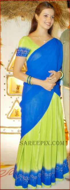 Saloni full size pic in half saree
