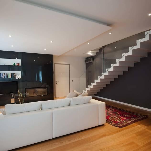 Arredare casa in stile moderno: ecco alcune idee - Ombra nel portico