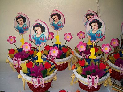 Children parties decoration snow white - Mesa centro blanca ...