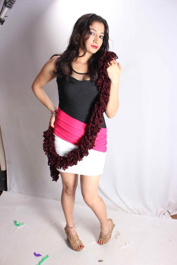 Niharika Sharma latest hot vedios