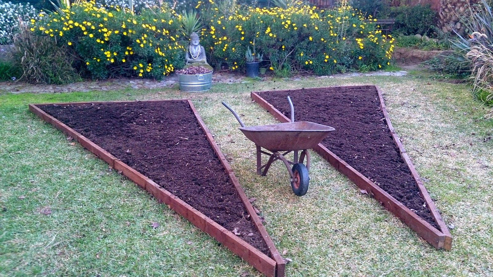 Create Your Own Earth-Friendly Vegetable Garden #DIY | Step-by-Step #Tutorial with KLB