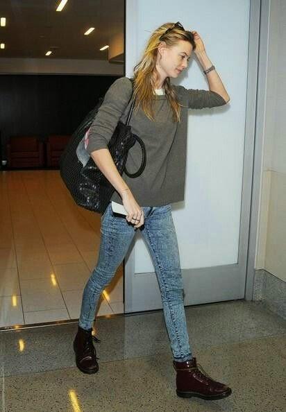 แฟชั่นผู้หญิง การแต่งตัวผู้หญิงเก๋ๆ แฟชั่นไอคอน เบฮาตี้ พรินสลู Behati Prinsloo Style Fashion