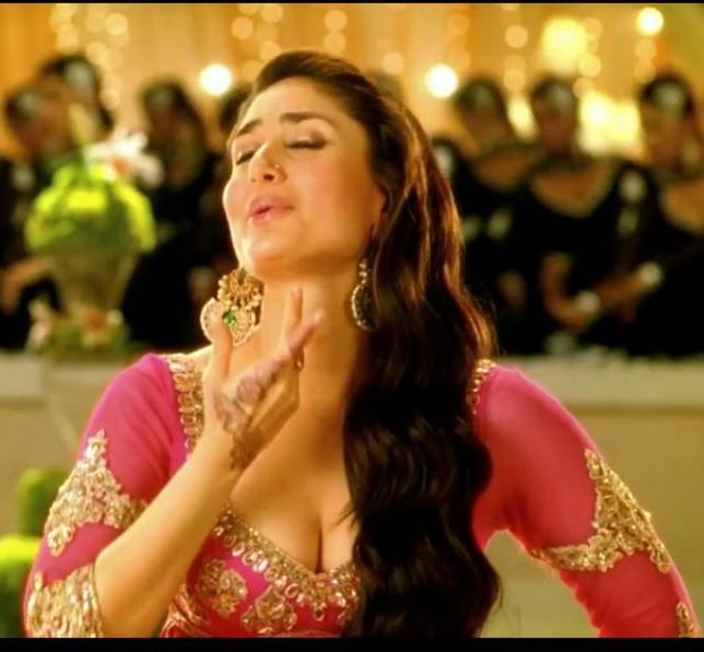 Kareena Sexy Caps - Hot Mujra