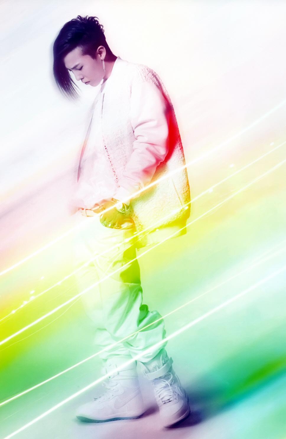 G-Dragon  Photos - Page 2 Bigbangupdates+GDRAGON+Alive+Scans_010