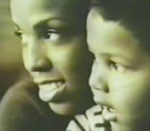 As palavras de Pixinguinha e Otávio de Souza moldaram a campanha do McDonald's em homenagem às mães, em 2003.