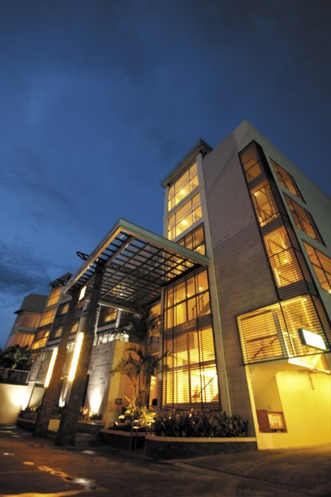 Accommodation Check Avenue Plaza Hotel Naga City Philippines