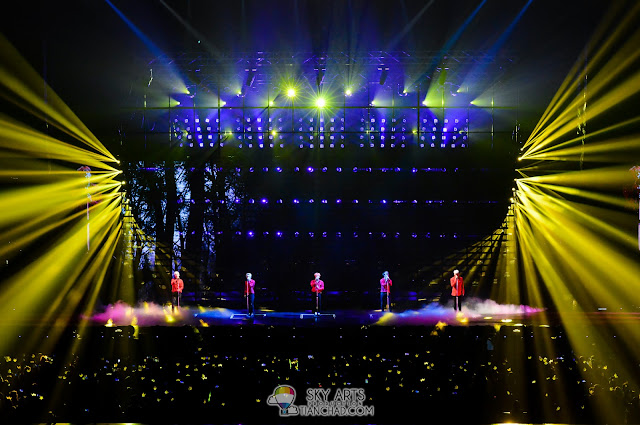 That beautiful concert lights with BBVIPs' torch
