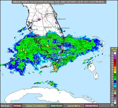 Radarbild: Es geht jetzt richtig los in Süd-Florida - kurzzeitig auch noch Tornado-Gefahr in den Keys, 2011, aktuell, Florida, Hurrikansaison 2011, Oktober, Radar Doppler Radar, USA, Wettervorhersage Wetter