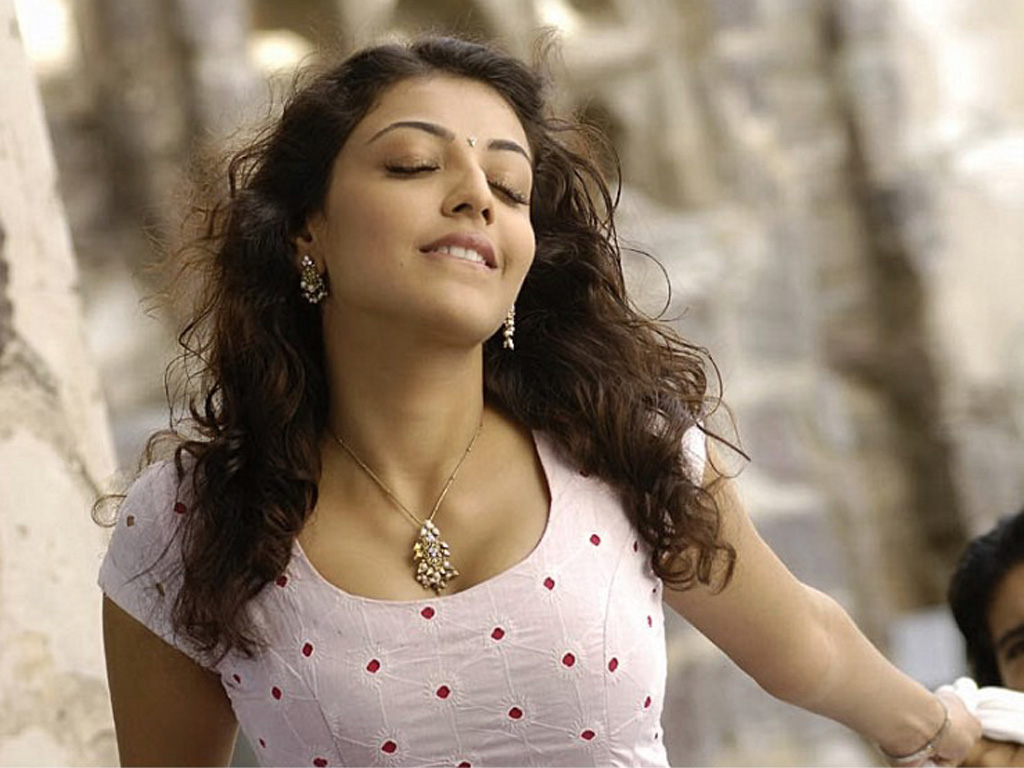 Download this Kajal Agarwal Hot Wallpapers Cute picture
