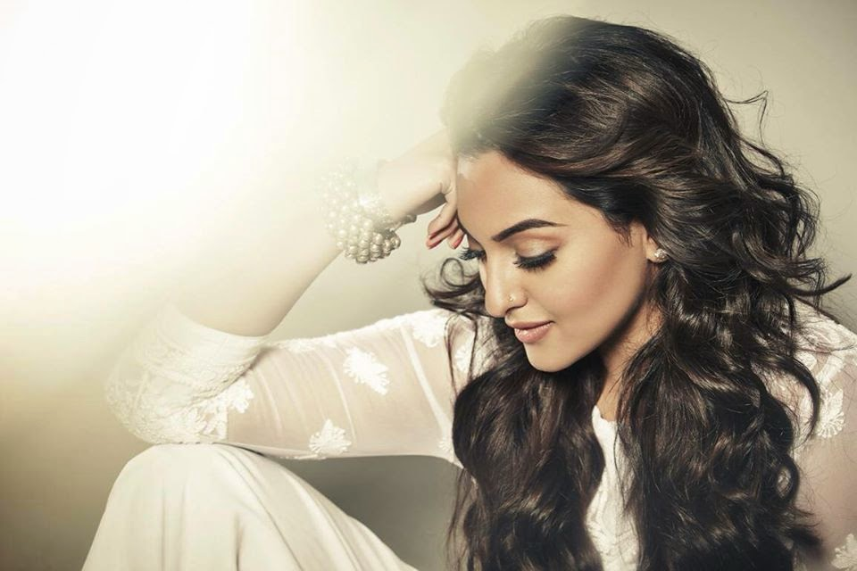 Sonakshi Sinha HD wallpapers Free Download