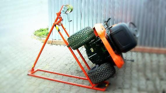 Podnośnik warsztatowy do naprawy traktorka