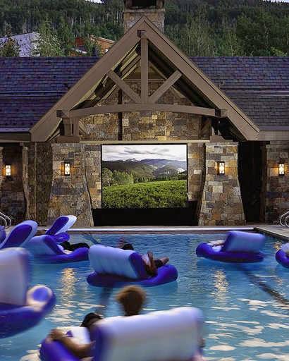 home theatre di kolam renang