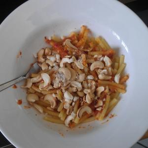Makkaroni mit Pesto