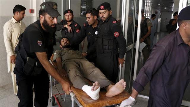 Militantes do Taliban ataca base aérea no Paquistão; 42 mortos