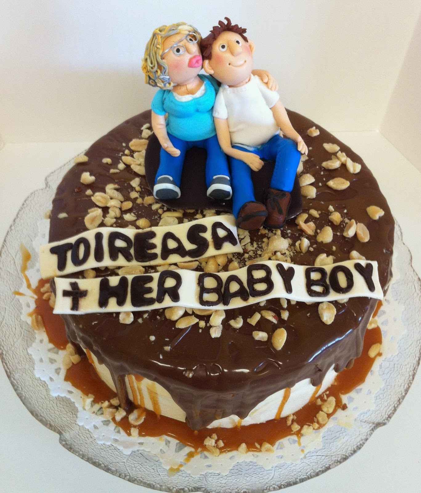 Hogans Sweet Art Family Birthday Cake