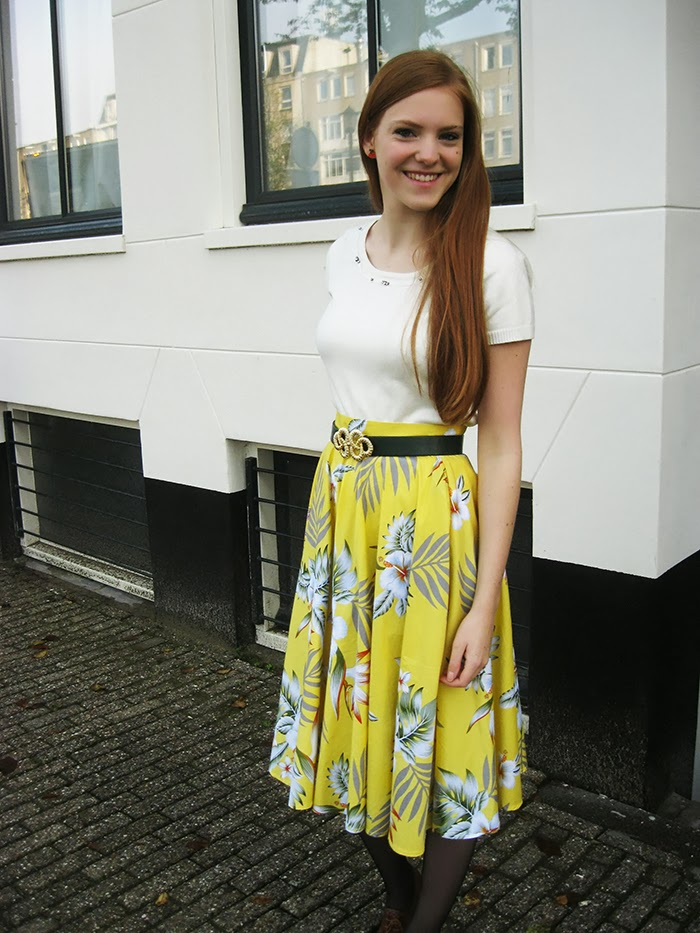Fashion blogger outfit vintage 50s circle skirt brogues