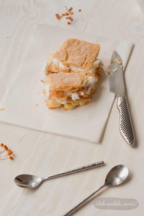 milhoja de hojaldre, crema pastelera y merengue caseros