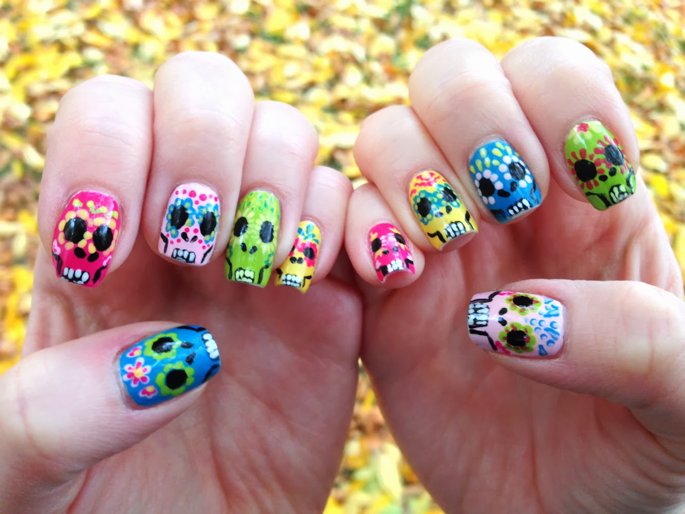 Ms. Lazybones & The Morning Man: dia de los muertos nails